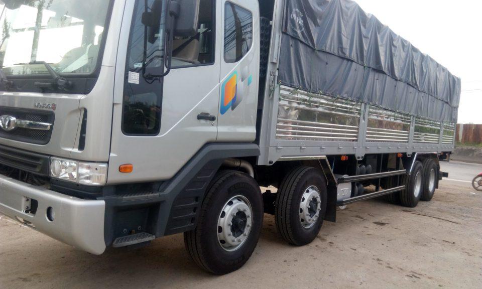 Xe tải Daewoo 4 chân