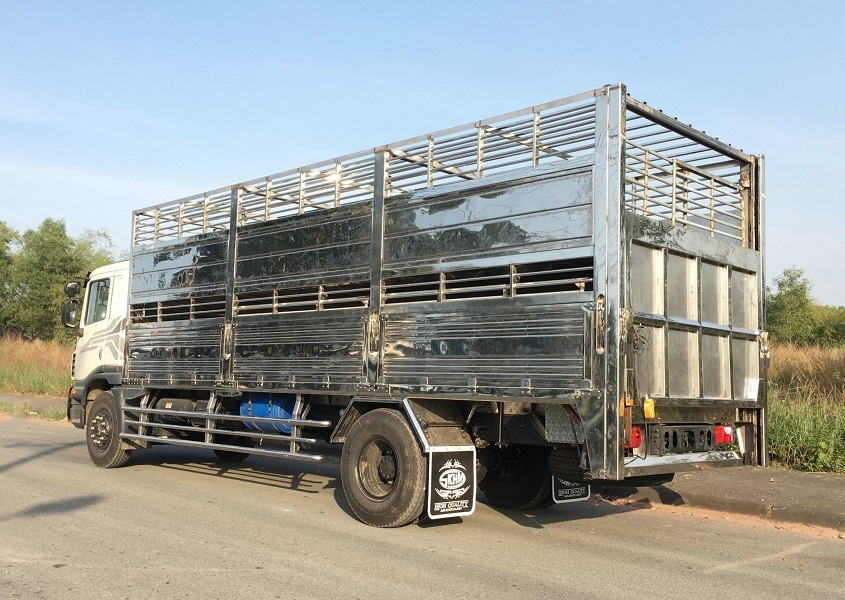 Daewoo 9 tấn chở lợn1